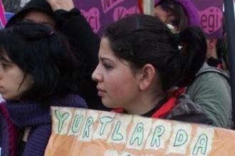 Üniversiteli kadınların 'yarı açık cezaevi'