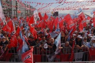 İzmir'de CHP'liler coşkulu mitingde buluştu