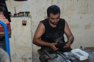Adana'dan kampa giden gençlerin  objektifinde işçiler var!
