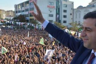 Demirtaş: AKP'yi barış altında bırakacağız