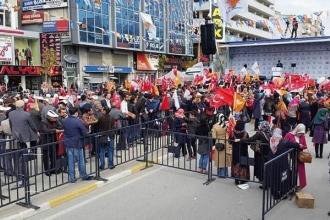 Davutoğlu: AK Parti iktidardan indirilirse buralarda beyaz Toroslar dolaşacak