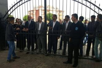 Üniversiteye girmesi engellenen Özsoy: Bu demir parmaklıklar Türkiye'nin resmidir