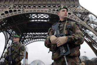 Fransa son yetmiş yılın  en 'savaşçı' dönemini yaşıyor