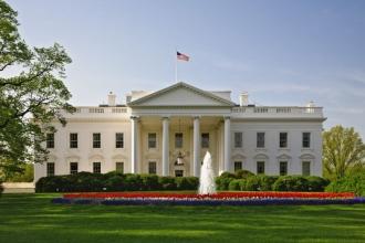 Muhabirler Beyaz Saray'ın kapısında kaldı