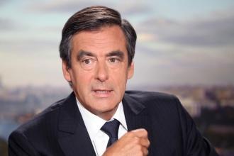 Fransa cumhurbaşkanı adayı Fillon'a adli soruşturma açılıyor
