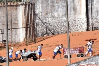 Brezilya'da 26 kişinin öldürüldüğü cezaevinde bir isyan daha