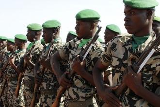 Mali'de askeri üsse saldırı: 40'ı aşkın ölü