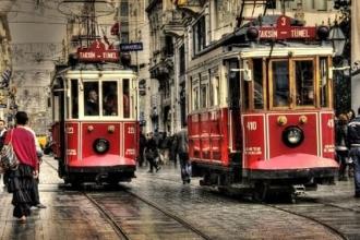 İstiklal Caddesi'nin nostaljik tramvayı 6 ay hizmet dışı