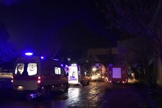 Üniversitedeki inşaatta iskele çöktü: 7 işçi yaralı