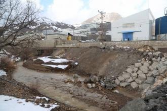 Şirvan'da maden atıkları derede canlı bırakmadı