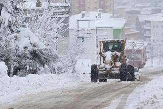 Karadeniz'de eğitime kar engeli