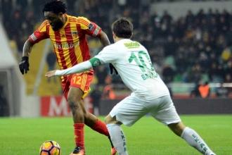 Kayserispor Bursaspor'u 2-0 yenerek seriyi sürdürdü