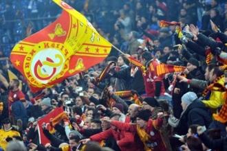 Galatasaray taraftarı bilet fiyatlarına tepki gösterdi