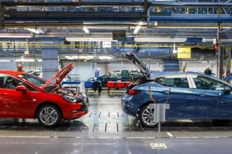 Peugeot ve Citroen'in üreticisi PSA Group, Opel'i satın aldı