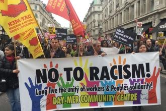 Londra'da on binler ırkçılığa karşı yürüdü