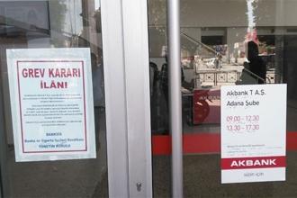 Akbank grevi AKP'nin yasakladığı 11. grev