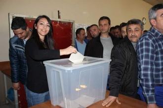 İZENERJİ işçileri sözleşmeyi bitirdi: Sıra referandumda
