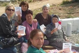 Barış ve laiklik isteyen kadınlar 'hayır' diyor