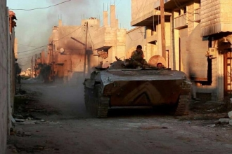 Cihatçılar, Hama'nın kuzeyindeki stratejik kasabaya saldırdı