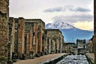 Taşlaşan Şehir: Pompeii