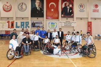Balıkesir Büyükşehir Belediyespor engel tanımıyor