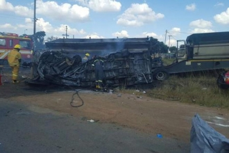 Güney Afrika'da okul servisi kazasında 20 çocuk öldü