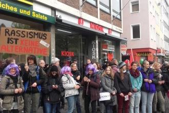 Köln'de onbinler ırkçılığa karşı yürüyor