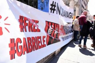 İtalyan gazeteci için destek eylemleri sürüyor