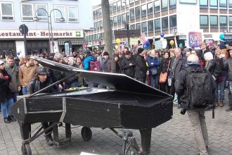 Köln'de AfD'ye anlamlı yanıt