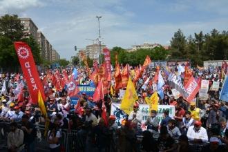 Diyarbakır'da 1 Mayıs'a çağrı:OHAL'e karşı alanlara
