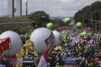 Brezilya'da 35 milyon emekçi genel greve gitti