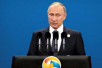 Putin 2018 başkanlık seçimlerine aday olacağını açıkladı