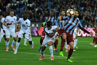 Medipol Başakşehir şampiyonluk yolunda ağır yara aldı