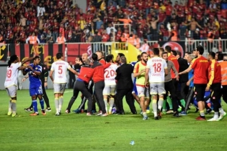 Süper Lig'in son yolcusu belli oluyor: Es Es - Göz Göz