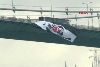 Boğaz'da köprülere Beşiktaş bayrağı asıldı