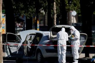 Fransa silah ruhsatı yasalarını gözden geçirecek