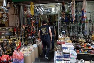 Doğubank, Mahmutpaşa ve Mısır Çarşısında polis operasyonu