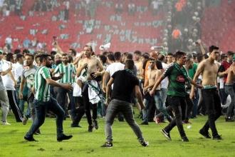 AKP'den Atiker Konyaspor'a verilen 5 maç cezaya tepki