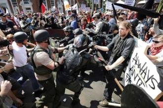 Irkçı gösteriye katılan oğlunu evlatlıktan reddetti