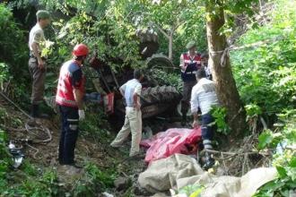 Sakarya'da işçi taşıyan traktör devrildi: 7 ölü 9 yaralı