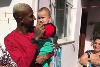Anderson Talisca, bebek Talisca'yı ziyaret etti