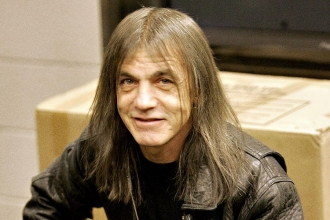 AC/DC'nin kurucularından Malcolm Young yaşamını yitirdi