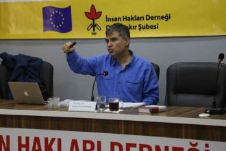 Akademisyen Kerem Altıparmak'tan Ankara Üniversitesi'ne veda