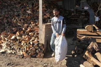 Odun fiyatları yükselince halk ısınmak için talaşa yöneldi