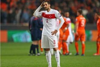 Galatasaraylı Hakan Balta sezon sonu futbolu bırakıyor