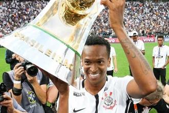 Eski Galatasaraylı Jo, Brezilya'da yılın futbolcusu seçildi