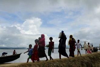 Bangladeş 100 bin Arakanlıyı ıssız adaya taşıyor