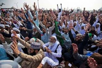 Pakistan'daki gelişmeler ne anlama geliyor?