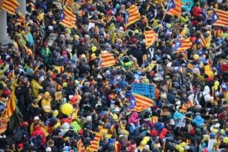 Brüksel'de 45 bin kişi Katalonya için sokaklarda