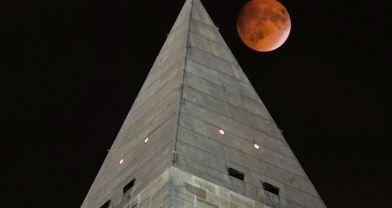 Kanlı Ay böyle yükseldi
